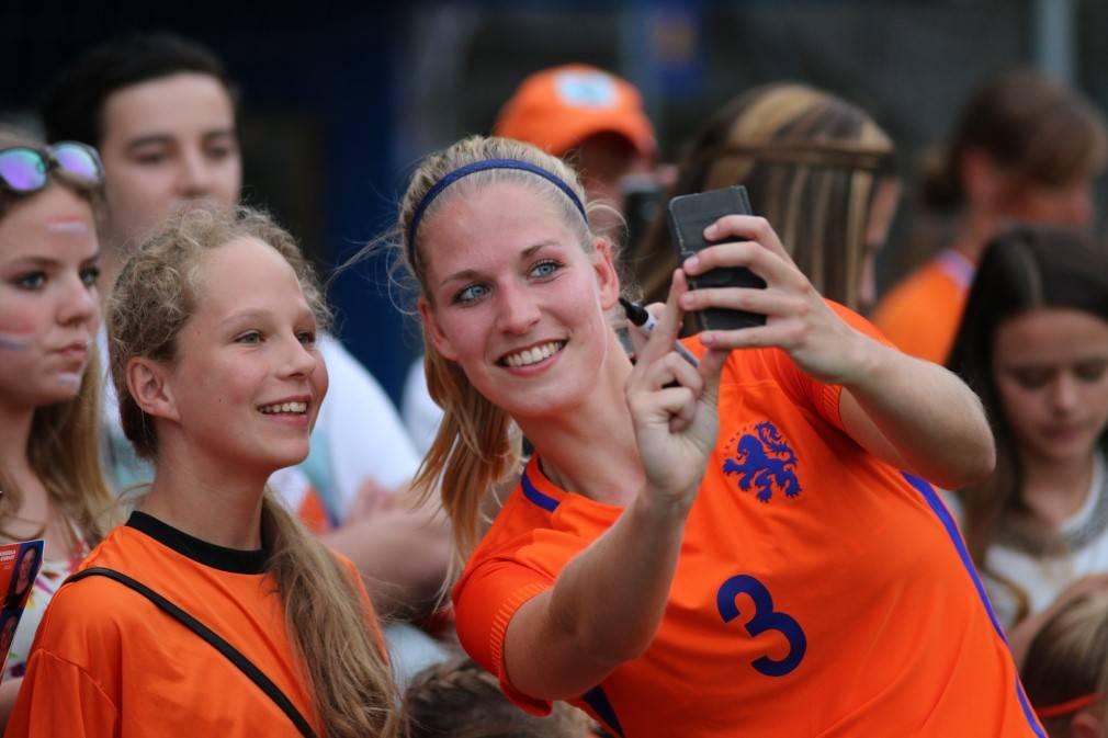 Vrouwenvoetbal, het wordt steeds populairder