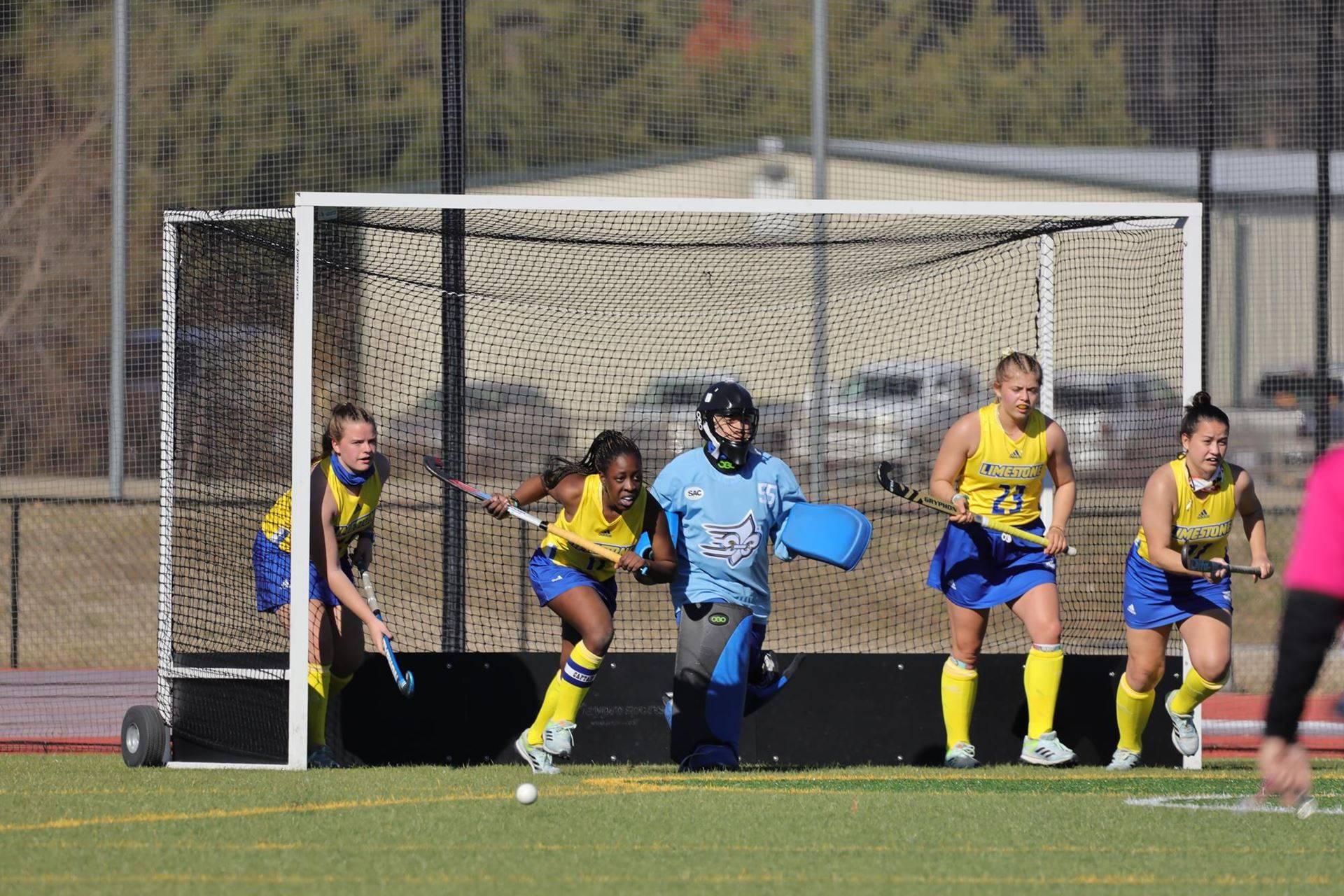 Liz Halberstadt scoort en geeft assist bij debuut in Amerika